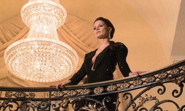 Molly's Game – A Screenwriter Directs And Its Great