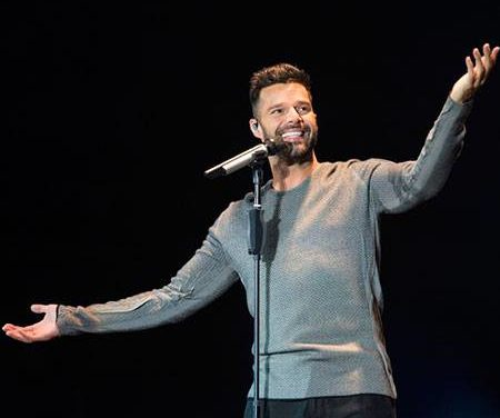Ricky Martin to Host Latin Grammys